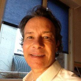 Dr. Bertrand Delaoustre