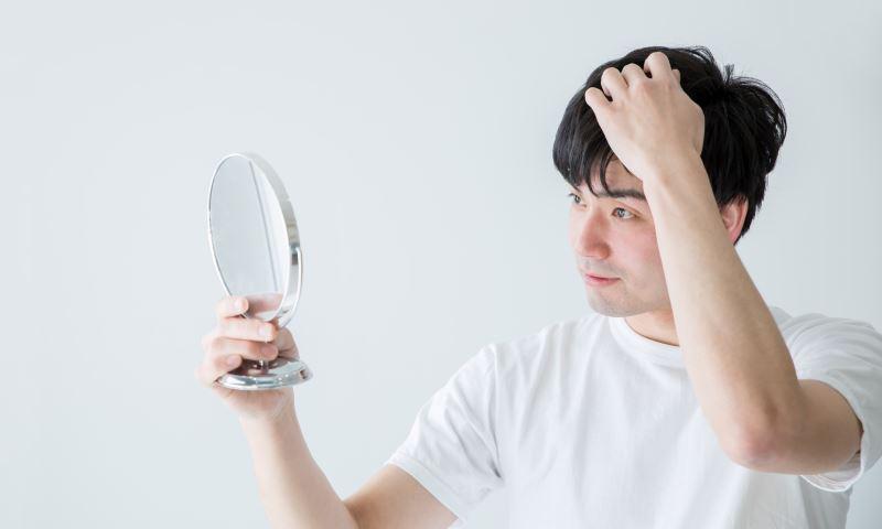 Innovative Perücken und Toupets sitzen in jeder Lebenssituation gut und wirken so natürlich wie Ihr echtes Haar